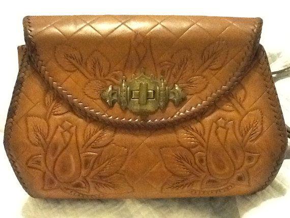 Vintage mano fileteado bolsa monedero de cuero acolchado por PugMug