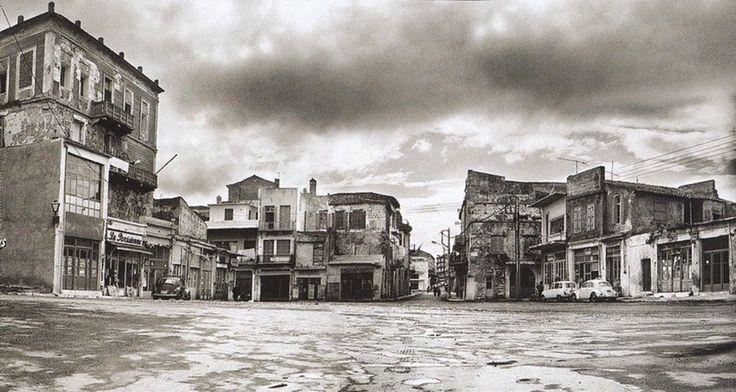 ΧΑΝΙΑ Περίπου τη δεκαετία του 1970 η πλατεία Σαντριβανίου ή παλιότερα πλατεία Μαυροβουνίων ή πλατεία Ελ. Βενιζέλου.