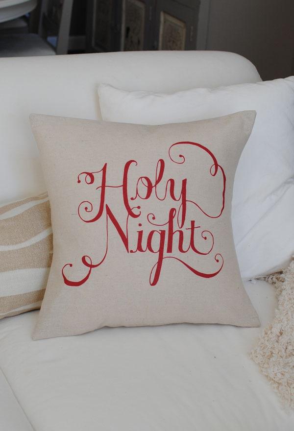 Christmas Pillow W Vinyl And Paint Crafty Fun Diy
