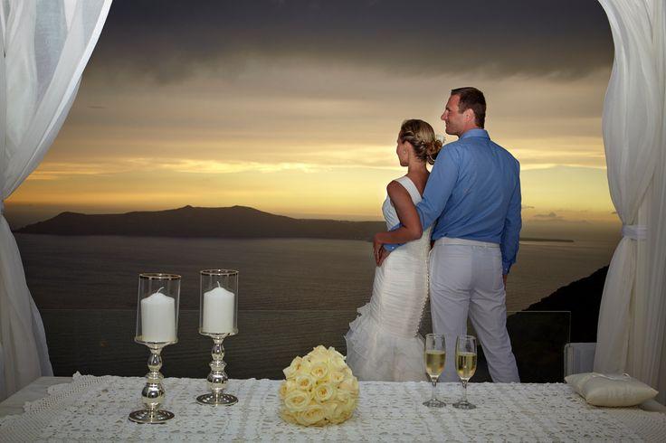 Santorini Wedding Photography at Sun set!!! Very Classy!!! Photography By @absst  #photographer #photography #weddingphotography #weddingphotographer #santorini #greece #destinationweddings #weddingsinsantorini  Wedding Planners @glaminsantorini