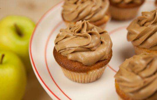 I Dolci di Alice: cupcake alla mela con frosting alla cannella - Ricetta di Pronto in Tavola