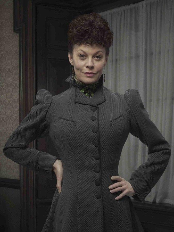 Penny Dreadful   Season 2   Helen McCrory as Madame Kali or Evelyn Poole   Showtime