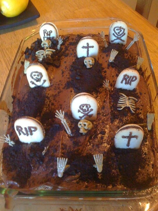 my grave yard cake for halloween turned out great