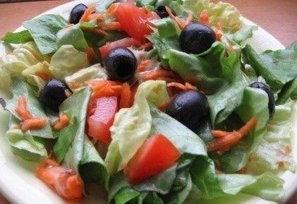 Ecetes-mézes-olívás saláta