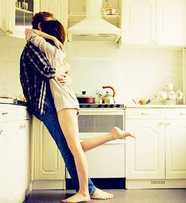 девушка и парень на кухне картинки предназначен