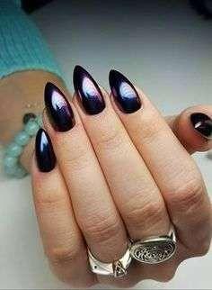 Nail art scura effetto specchio