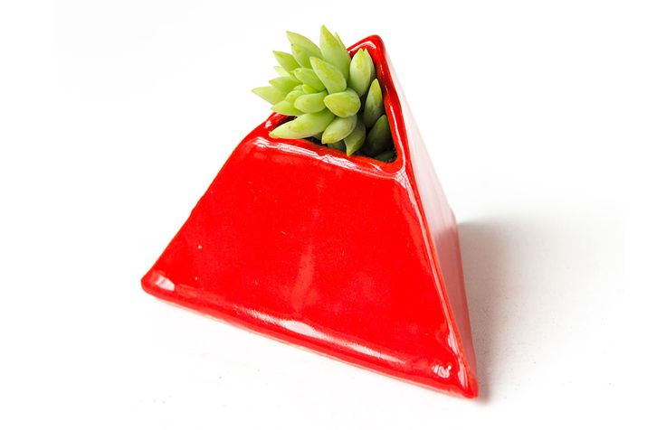 SÓLIDO PLATÓNICO Productos de cerámica inspirados en los 5 sólidos platónicos. http://charliechoices.com/solido-platonico/