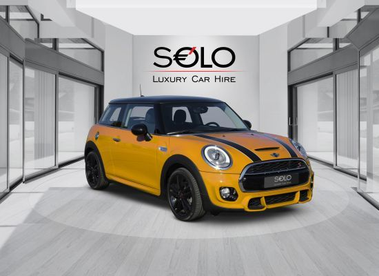 SOLO Luxury Car Hire Agency offer authorized car rental Barcelona airport pick-up and drop-off services.
