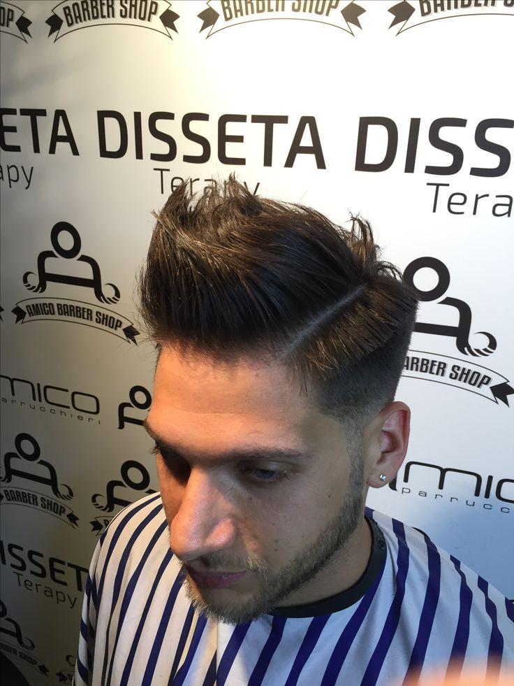 Taglio capelli uomo con sfumatura,  Tendenza 2017 A barbershop