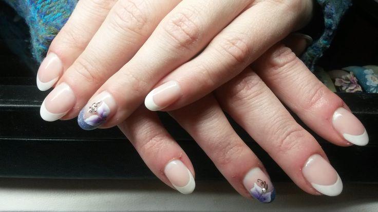 #french #onestroke #nailart #nails #izanailsecrets #nailstylist #kunstnagels #artyficialnails