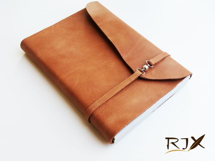 60 LEI | Jurnale handmade | Cumpara online cu livrare nationala, din Timisoara. Mai multe Papetarie in magazinul Rix pe Breslo.