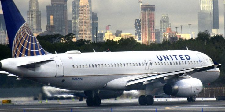 Merriam-Webster Dictionary Trolls United Airlines Over Definition Of 'Volunteer'