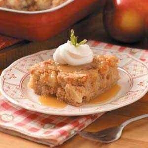 Chunky Apple Cake with Butterscotch Sauce- I got this recipe from a Taste of Home magazine like 5 years ago, and it is super yummy! I need to make it again!