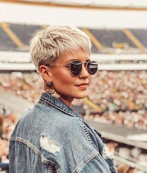short hairstyles for women complement them perfectly and reduce dozens of years from their age. The perfectly style hair augments their jaw line beautifully