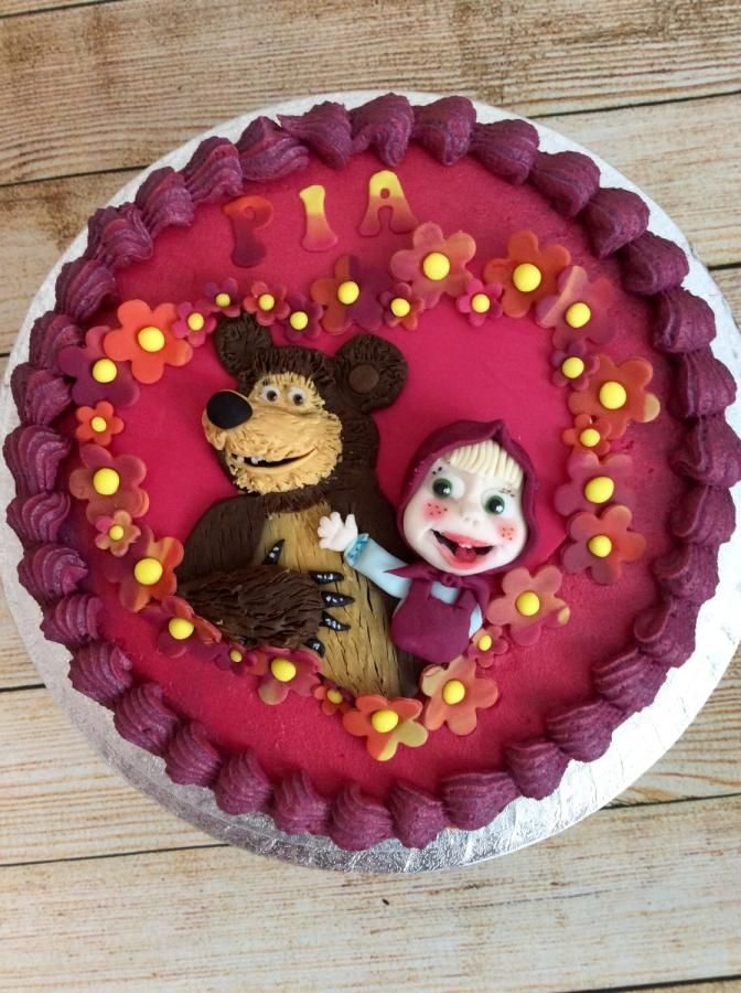 Masha and The Bear by Kizzy's Cakes