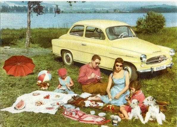 Původní Škoda #Octavia vyráběná od roku 1959 na dobové reklamní fotografii