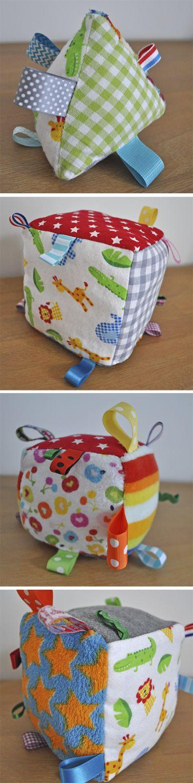 Een blog over vrolijke handgemaakte 'kado-tjes'. De artikelen zijn gemaakt met de naaimachine, geknutseld, gehaakt, geschilderd of gefotografeerd.