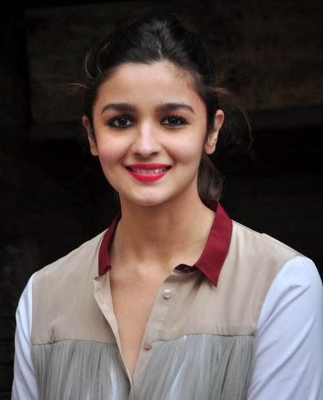 Alia Bhatt Beautiful Photoshoot in Truck for Highway Promotion