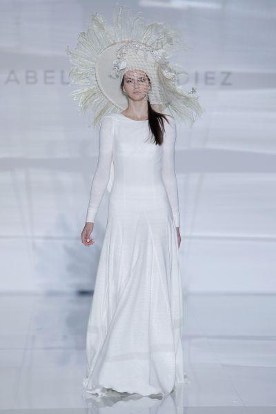 Vestidos de novia cuello redondo 2017: Un diseño que no pasa de moda Image: 18