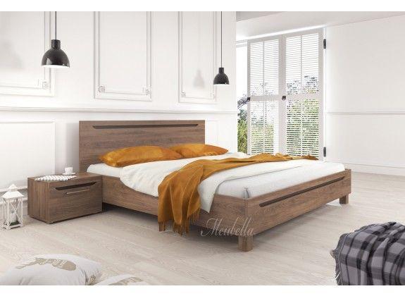 Tweepersoonsbed Toronto is een houten bed uitgevoerd in een landelijke stijl. Dit bed is afgewerkt in eiken met bruin. De Toronto beschikt over een stevige constructie met robuuste poten. Inbegrepen in de getoonde prijs is een standaard lattenbodem. Een matras wordt niet bijgeleverd.  https://www.meubella.nl/slaapkamer/bedden/tweepersoonsbedden/tweepersoonsbed-toronto-eiken-160x200-cm.html