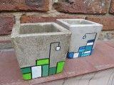 Macetas de cemento pintadas a puro color....con acabado de barniz con filtro solar para evitar su deterioro al ubicarlas en el exterior del hogar....  Medi...