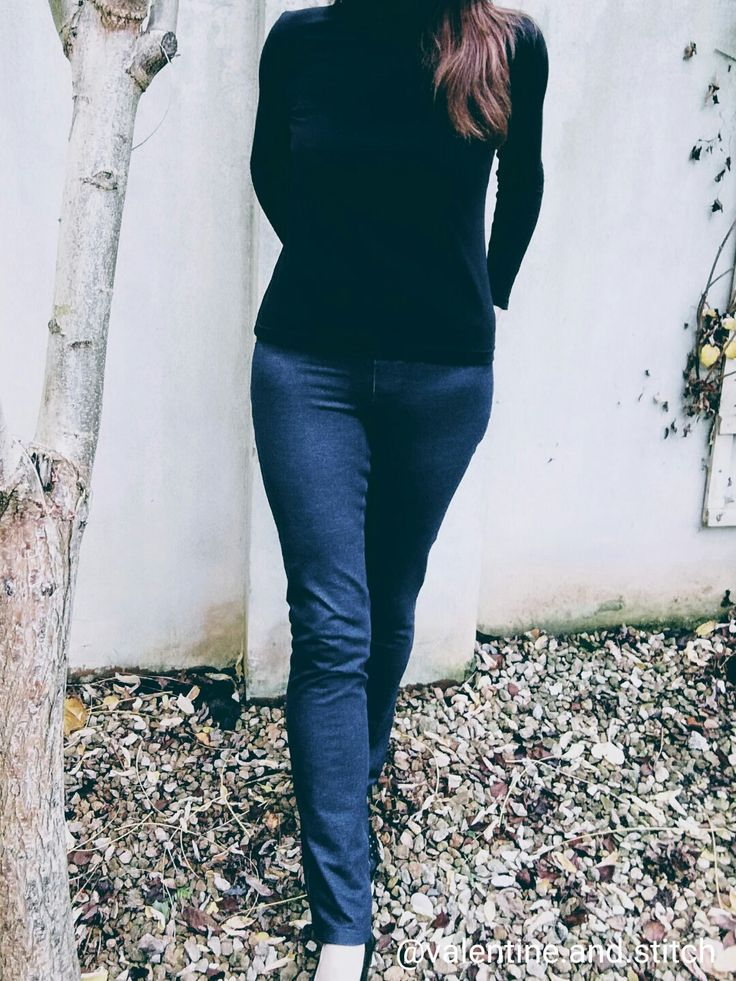Winter wardrobe staples: Papercut Patterns Rise turtleneck and Jalie Patterns Eléonore jeggings | Valentine & Stitch