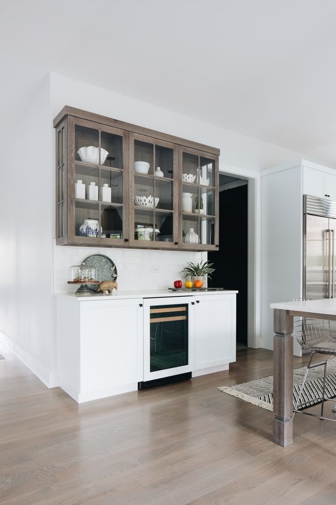 White Oak And Two Toned Kitchen