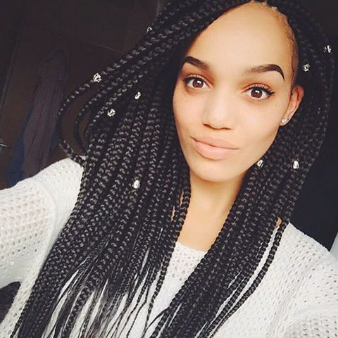 STYLIST FEATURE| Beautiful #boxbraids styled by #LondonStylist @naveyahbraids on @rebeccamegwa_x❤️ So neat and pretty #VoiceOfHair ========================= Go to VoiceOfHair.com ========================= Find hairstyles and hair tips! =========================