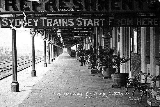 Platform at Albury Station, 1910.