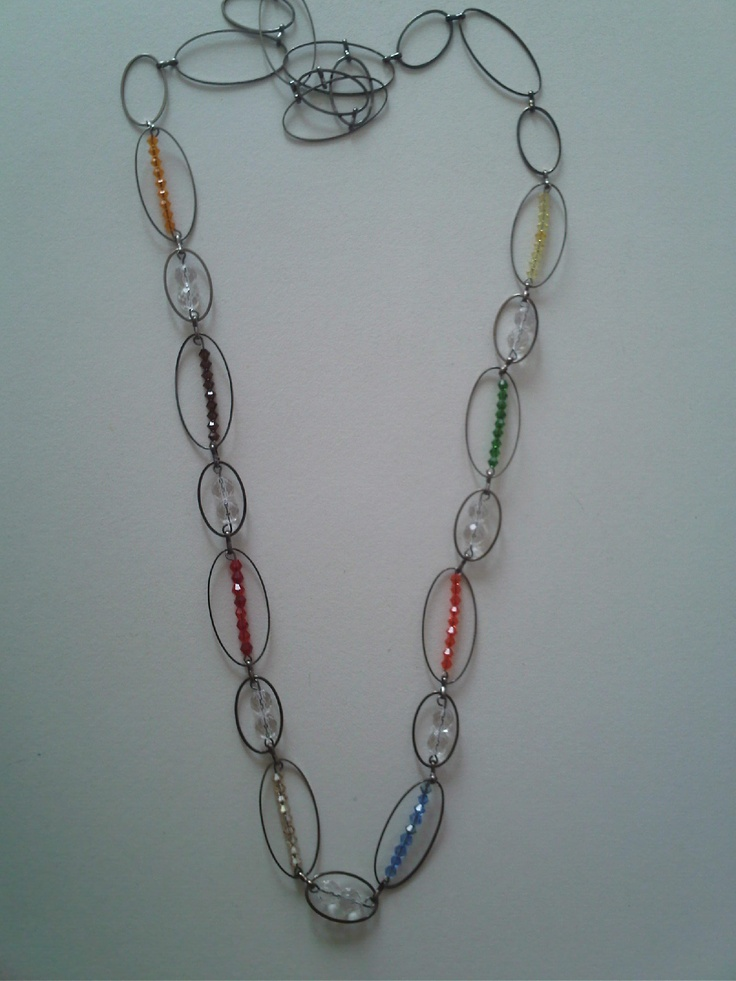Collar arco-iris, realizado con cristal de swarovski