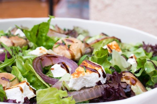 Best Green Salad With Grilled Mushrooms, Onions & Manouri Cheese