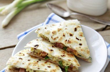 Breakfast Burrito Quesadilla — Punchfork | Noms | Pinterest