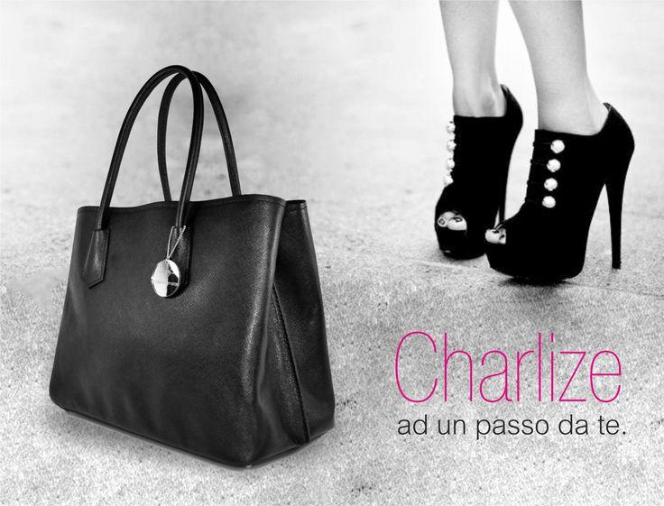 Ad un passo da te... http://www.millenniumstar.it/ultime-novita/1227-charlize-borsa-da-donna-in-pelle-nero-brillante.html #borse #charlize #millenniumstar