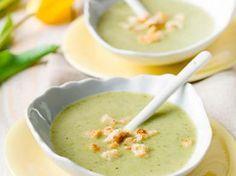 Courgette-broccolisoep met croutons