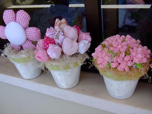 Decoração infantil,Flores em tecidos!! by Irene Sarranheira, via Flickr
