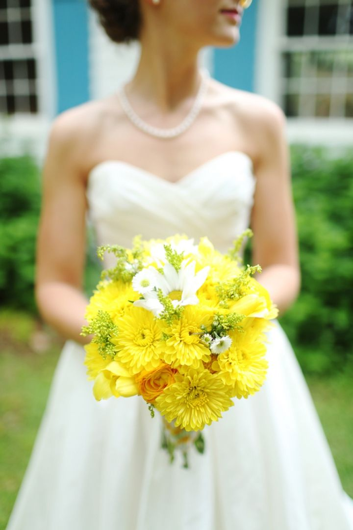 Bright and cheery yellow bridal bouquet // Photographer: j.woodbery photography // see more: http://theeverylastdetail.com/2013/09/11/fun-and-bright-yellow-and-gray-wedding/