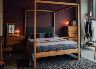 f10ec42ce6c7 Walnut Highland 4-poster bed