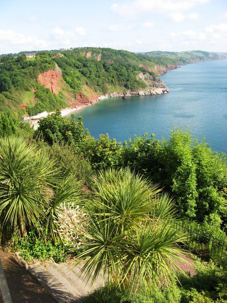 This is in the UK?? Babbacombe Beach. Torquay, England