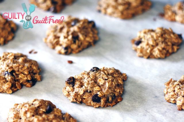 Clean Eating Oatmeal Chocolate Chip Cookies • What's That Smell? - Brand Ambassador, Health & Fitness Mom Blog