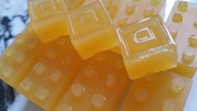 Thermotwinning: Fruit Juice Jelly Lollies