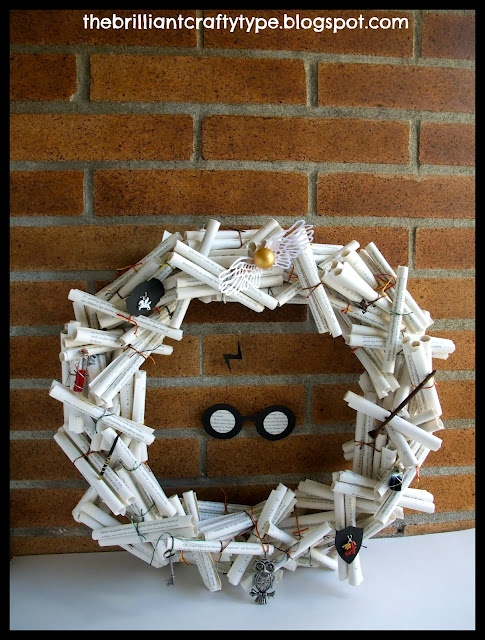 Book Page Wreath DIY {Pages o' Potter}: Brilliant Crafty, Books Pages Wreaths, Book Page Wreath, Potter Crafts Parties, Crafty Types, Christmas, Book Pages, Wreaths Ideas, Harry Potter Books