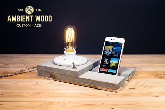 De madera cabecera almacenamiento utilidad de soporte de la lámpara de latón y almacenamiento de información estación de acoplamiento electrónico