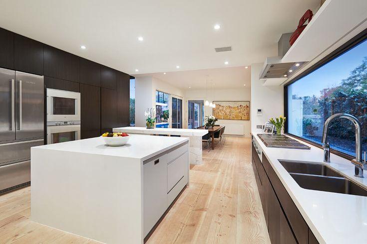 cocina moderna con isla casa años 60 renovada