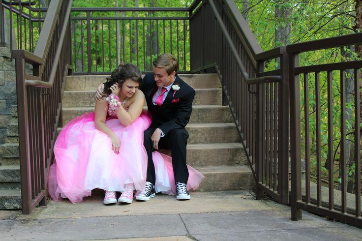 Prom Picture couple converse