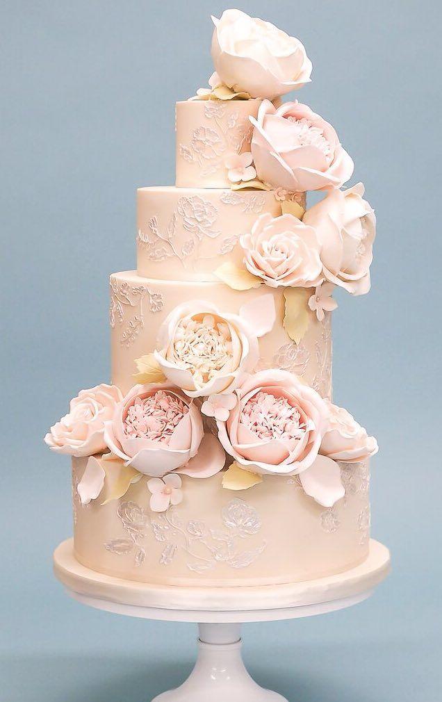 Courtesy of Rosalind Miller Wedding Cakes