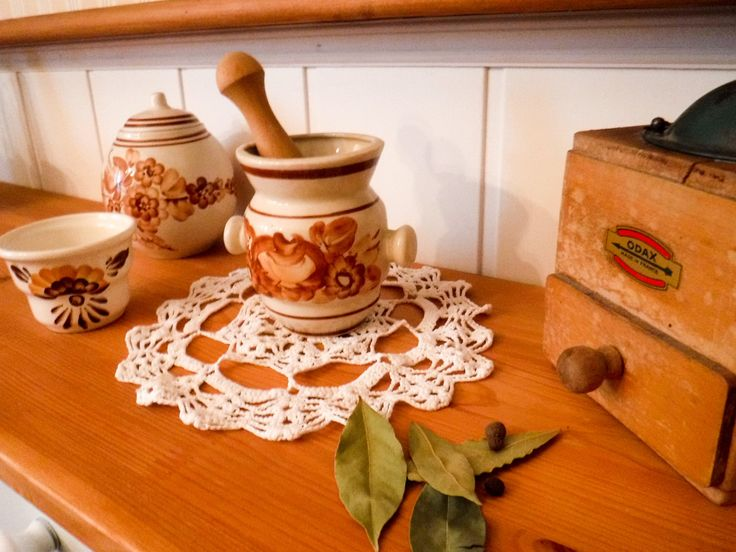 Ceramic mortar and pestle / rustic kitchen / spices mortar / ceramic utensil / ceramic cookware / folk mortar / wooden pestle / hand painted by GrandmasOldStories on Etsy