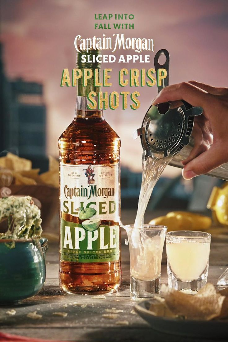 With The Crisp Taste Of Sliced Apple And A Splash Of Lemon Apple Crisp Shots Prove A Cocktail Doesn T Need A Lot Of S Video In 2020 Apple Slices Apple Crisp