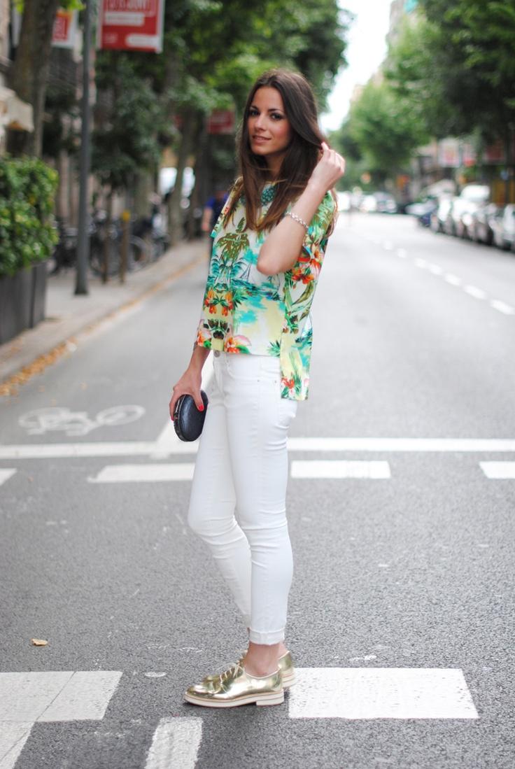 Zina Charkoplia Daily Outfit