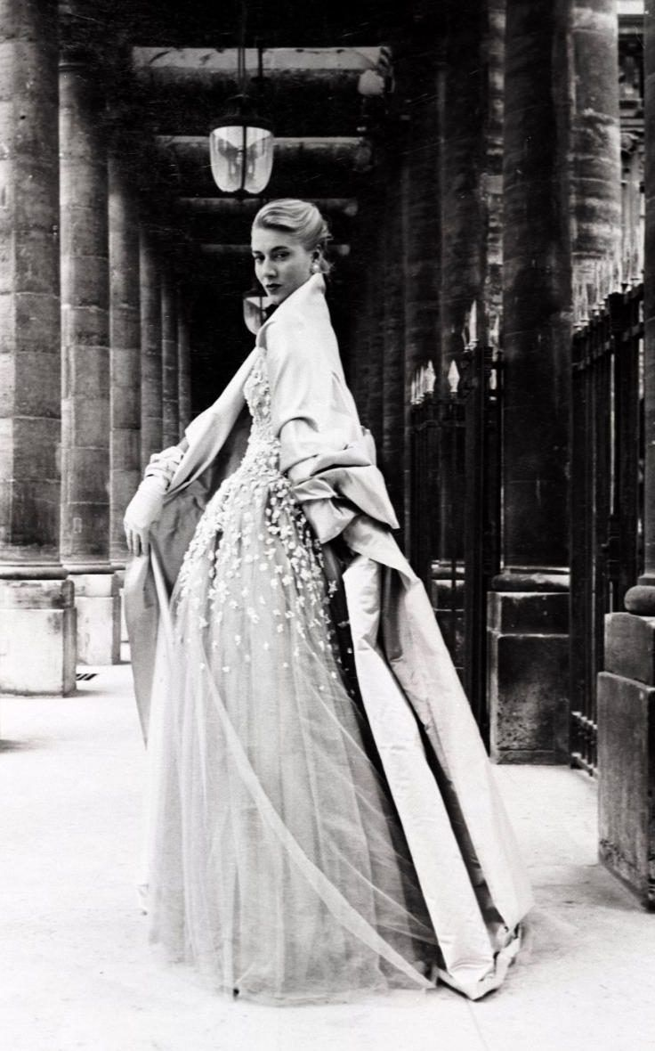 Dior's breath-taking layers in 1954 www.vintageclothin.com