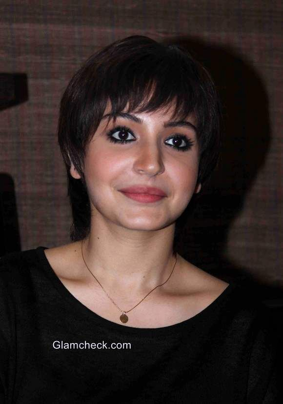 Anushka Sharma new pixie look for her movie PK. I had also done this pixie haircut cuz i find Anushka very smart in this look. And seriously this pixie look is just amazing.. :-)